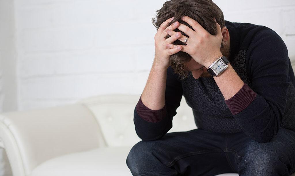 Мужчина расстроен