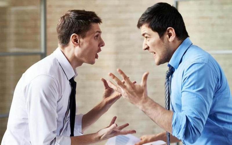 Поведение при конфликте