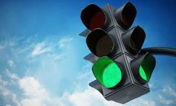 зеленый свет светофора