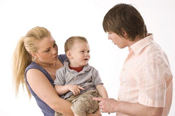Авторитарный стиль воспитания в семье