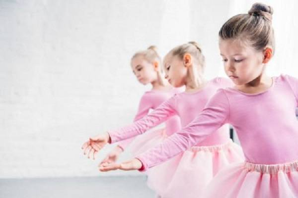 значение розового цвета для детей