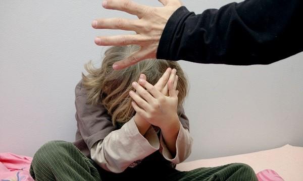 Насильственные действия со стороны взрослых