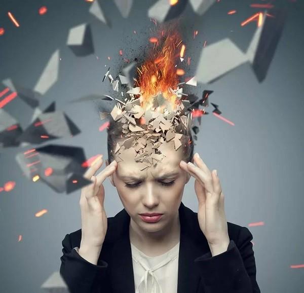 Как развивается синдром взрывающейся головы