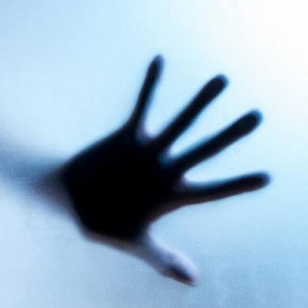 руку невозможно контролировать