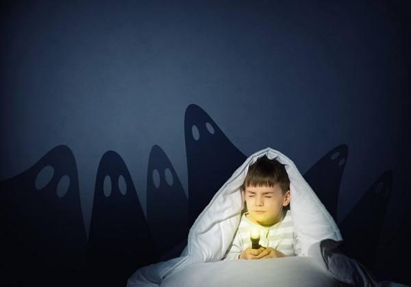 проявление страха темноты у детей